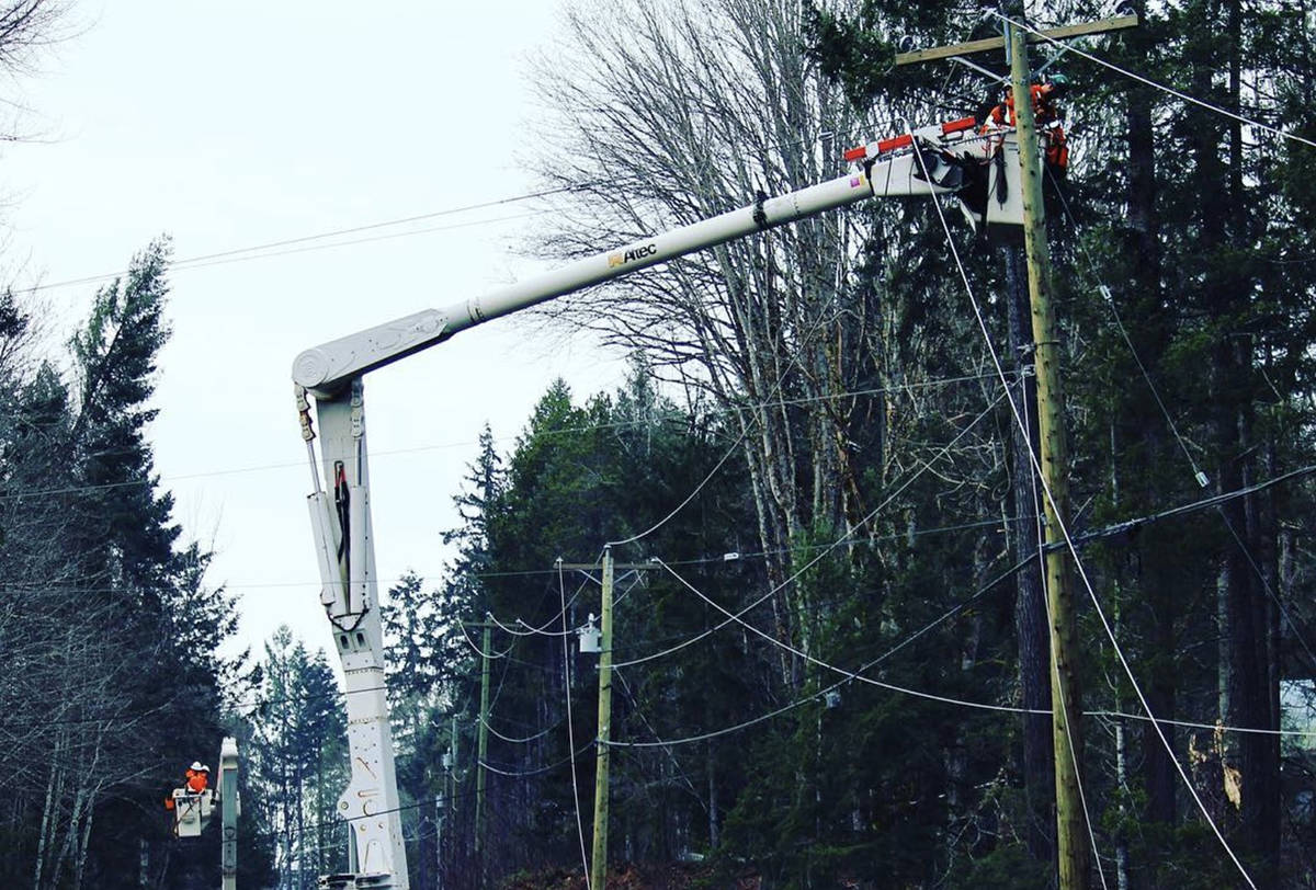 BC Hydro crews hope to have all power restored by 6 p m