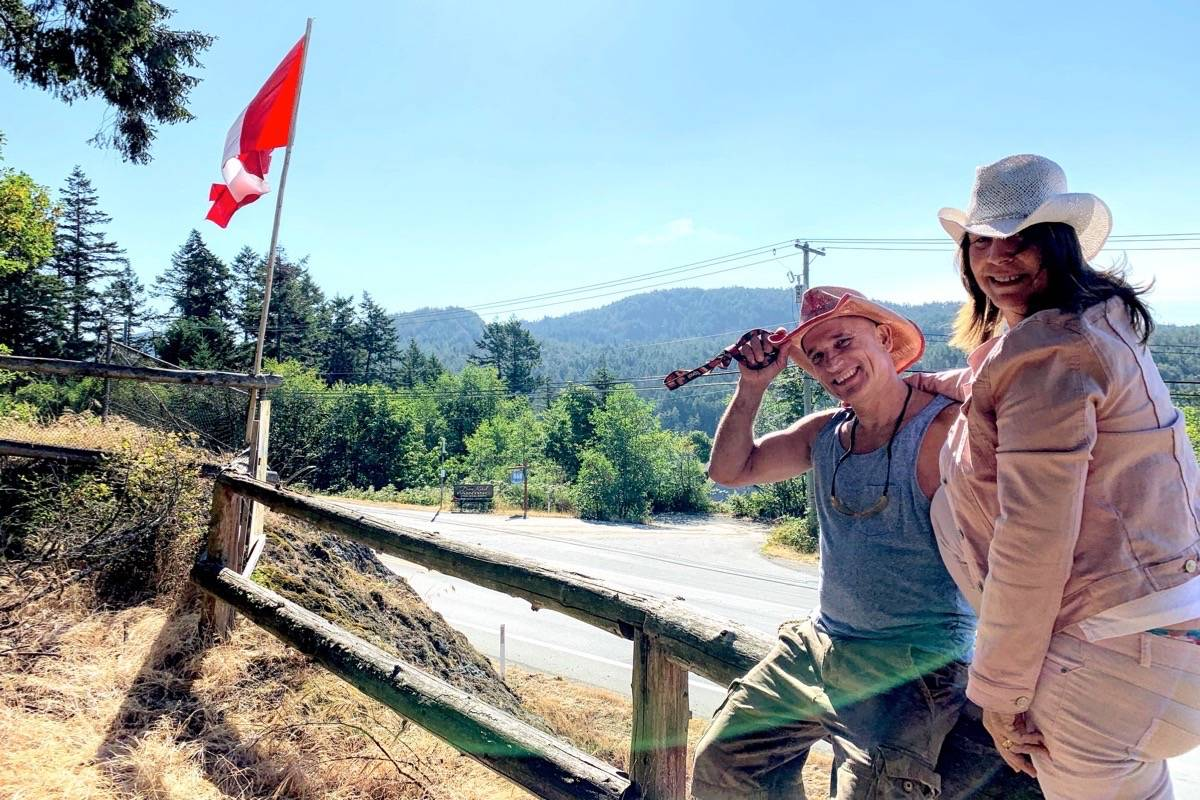 Stolen Canadian flag had special meaning to Sooke family