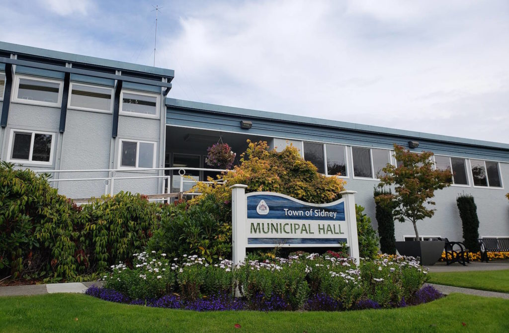 Sidney councillor ponders providing daycare to help public at council meetings - Saanich News