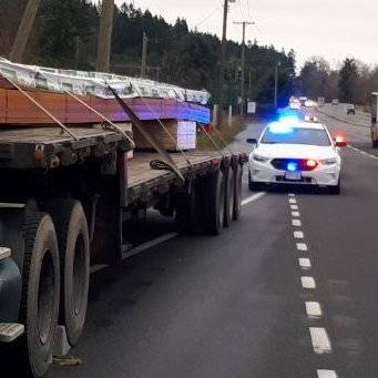 Semi truck impounded after driver avoids weight scales in Saanich