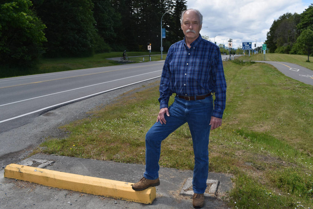Close call has North Saanich councillor appealing for traffic safety - Saanich News