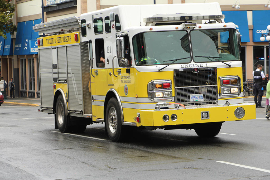 $400,000 in damages caused by fire in Victoria commercial building - Saanich News
