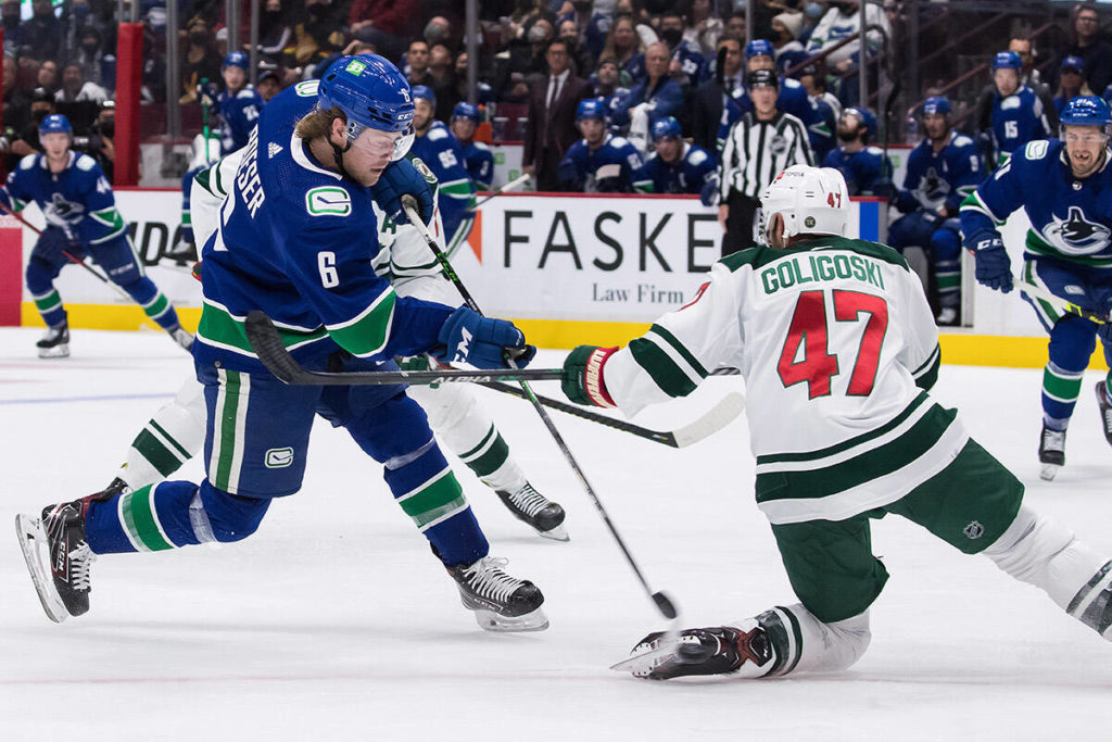 Wild eke out 3-2 win to spoil first full-capacity home game for Canucks in 595 days - Saanich News